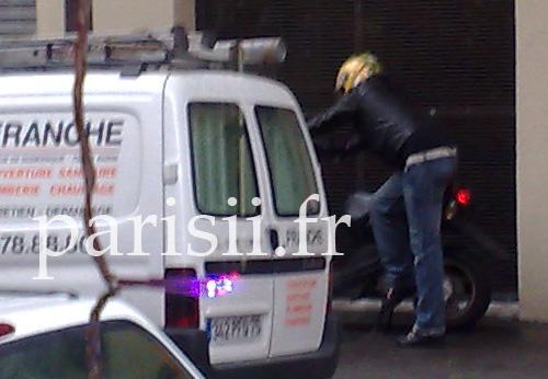 Tentative de fuite en scooter, mais il ne démarre pas!
