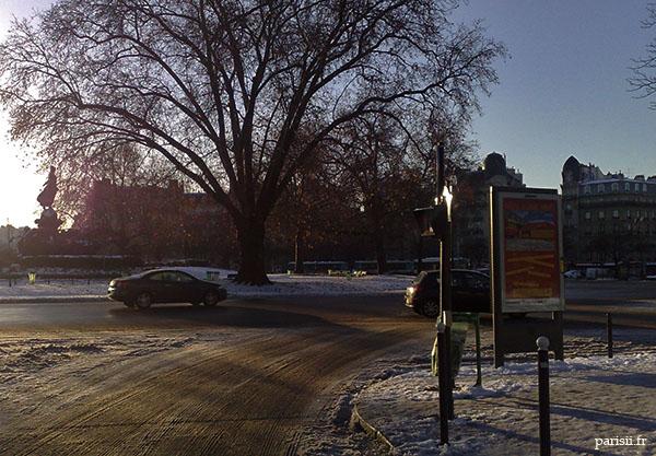Place de la Nation, sous la neige
