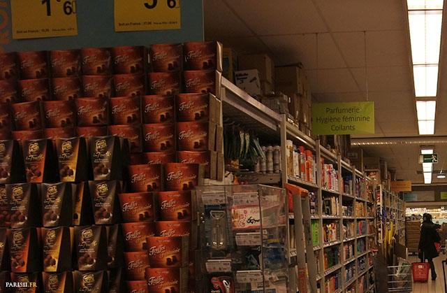 Les rayons, comme dans n'importe quel autre supermarché, sont clairement identifiés