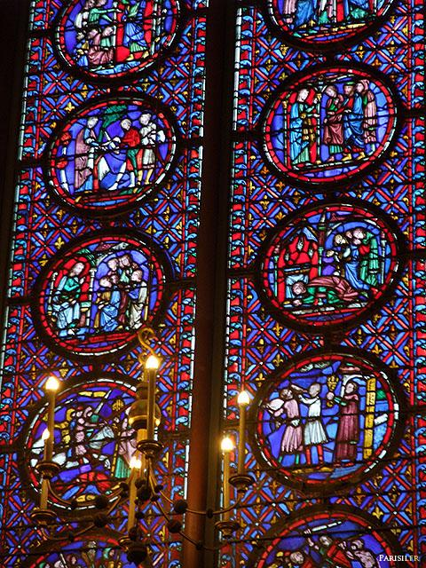 Un des vitraux, haut de 15m