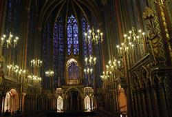 Sainte Chapelle de Paris : Gothique Rayonnant, apogée de l'Art médiéval