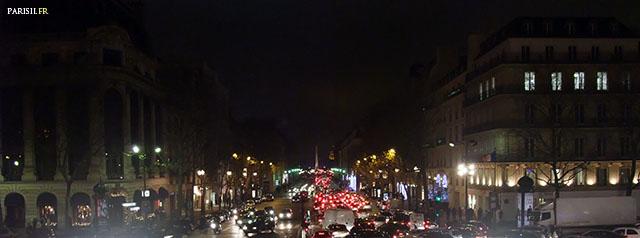 En sortant de l'église, de nuit, on a une splendide perspective allant jusqu'à l'Assemblée Nationale.