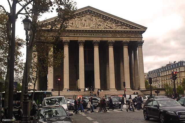 Eglise de la Madeleine, vue de la rue Royale